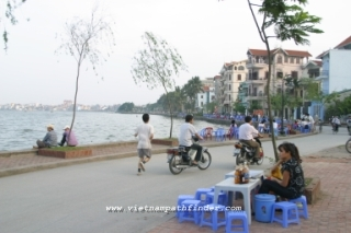 Vietnam Package Tour: Hanoi-Saigon