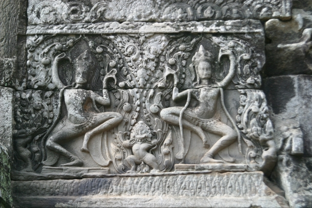 special stutues of of dancers on the Bayond Temple in Siemreap