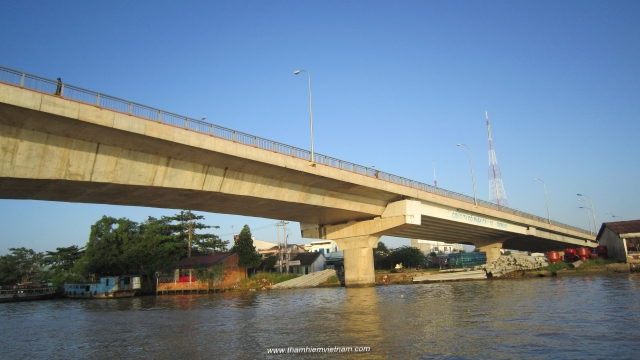 Can tho Bridge in Mekong river