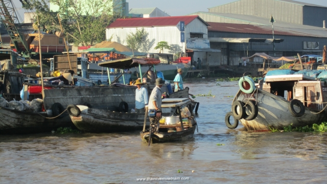 Daily life in Mekong delta