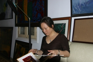 Mai Hien artist and art collector