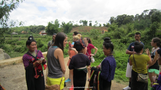 Student groups with School trip Vietnam (meet the local ethnic group)